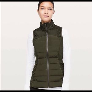 BRAND NEW LULULEMON DOWN FOR IT ALL VEST SIZE 10!!